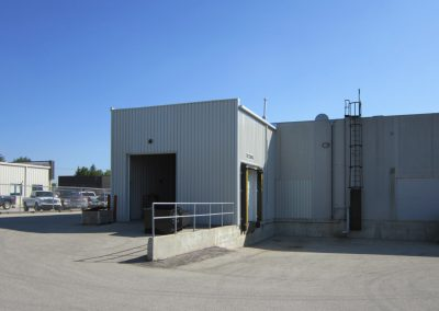 steel_building_rear_loading_area